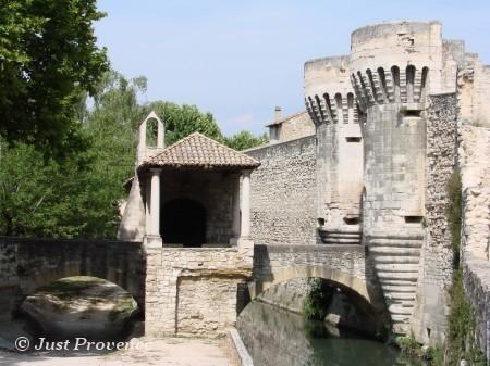 Pernes-les-fontaines Provence rentals