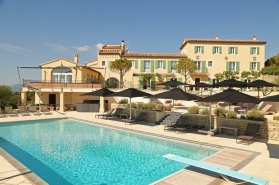 luxury bastide