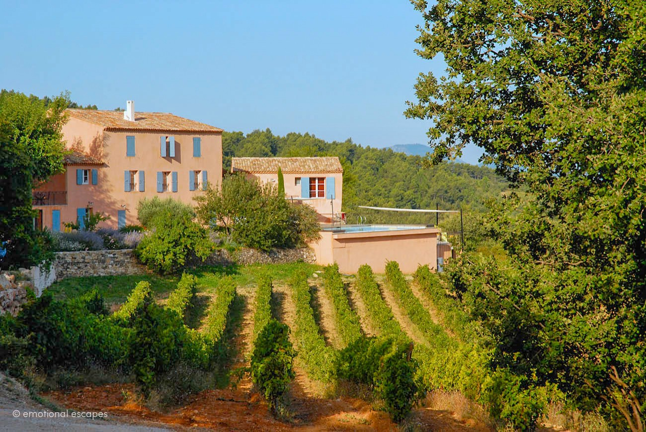 rent a villa in south of france