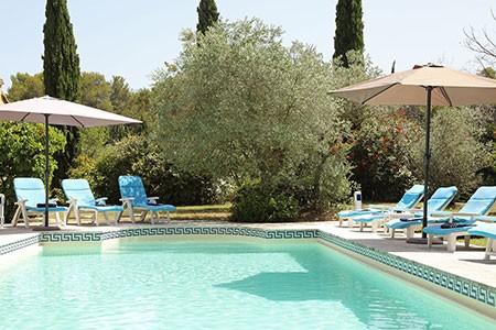 luxury villa rentals provence