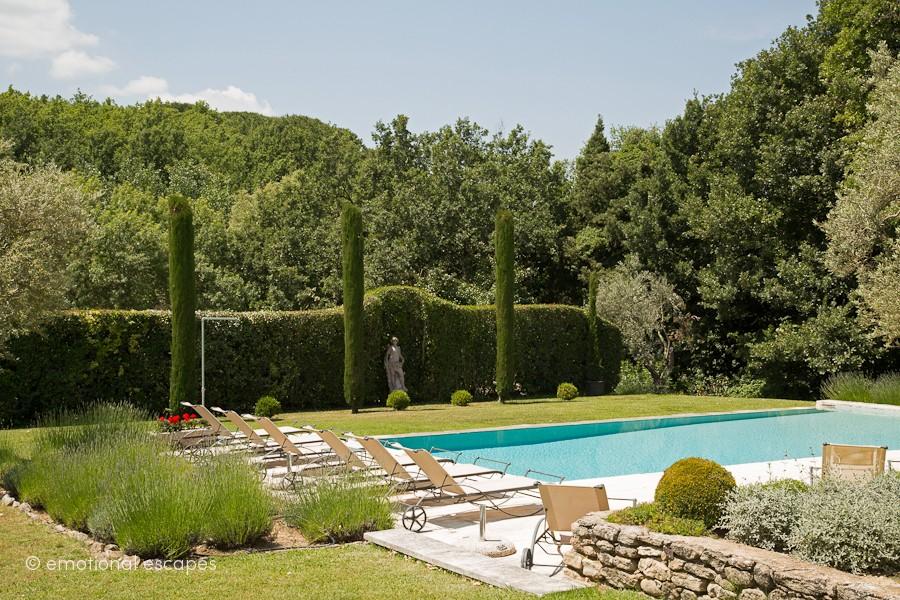 rent a villa provence
