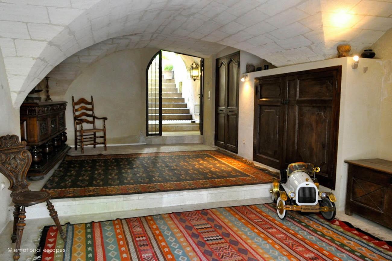 chateau rental france Avignon