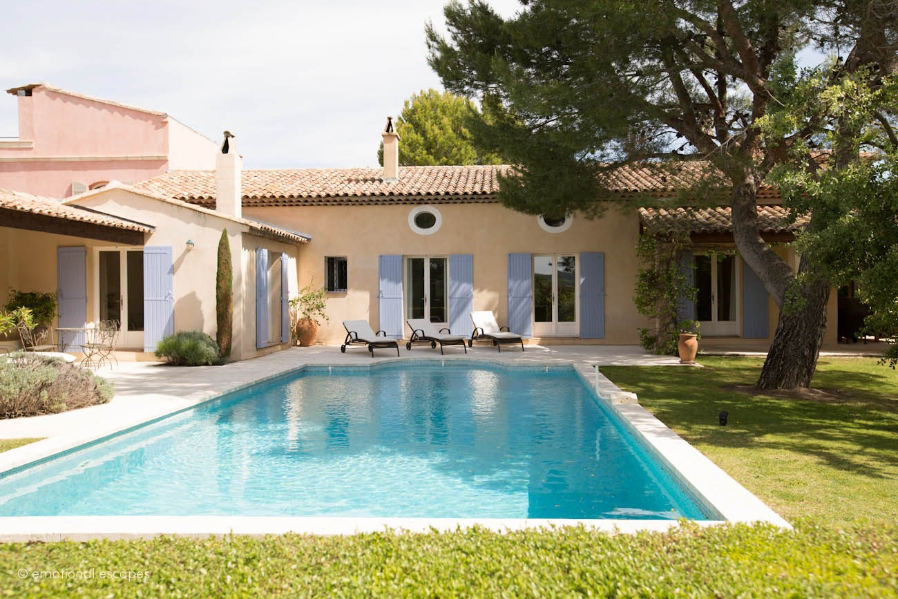 luxury villas holidays provence