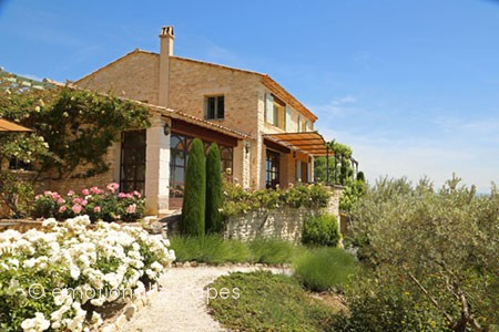 gordes holiday homes