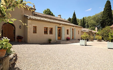 villas in south of france with pool