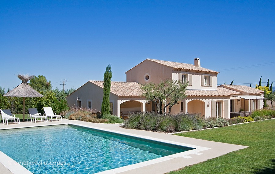 villas for rent south of france