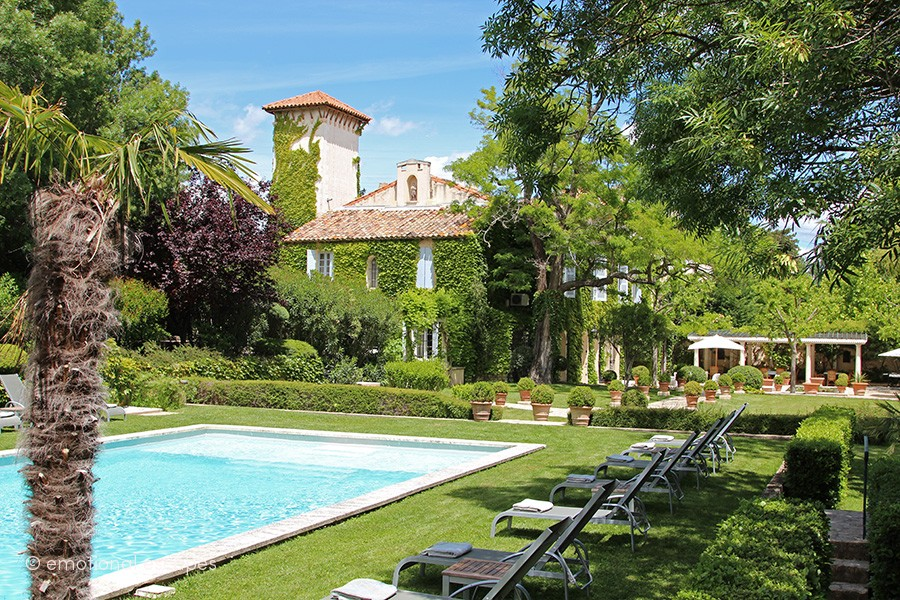 luxury retreats south of france