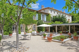 Just , Rentals in  - Château de Mérindol