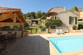 luxury villa rental