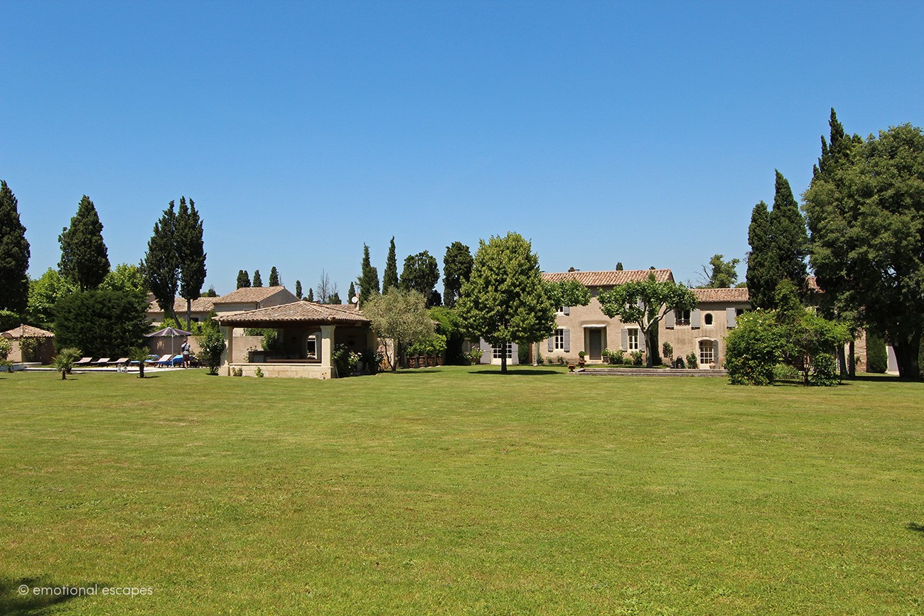 rent a villa in south of france Mas des Sources