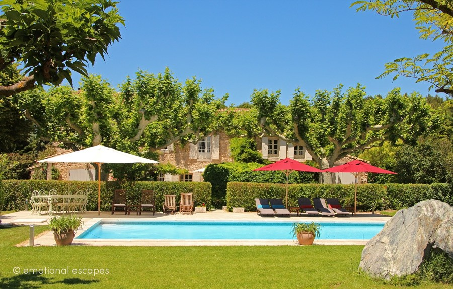 luxury villas for rent provence